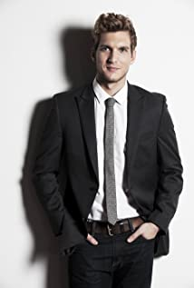 Scott Michael Foster Picture