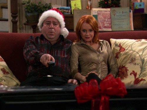 Swoosie Kurtz and Louis Mustillo in Mike & Molly (2010)