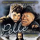 Max von Sydow and Pelle Hvenegaard in Pelle erobreren (1987)