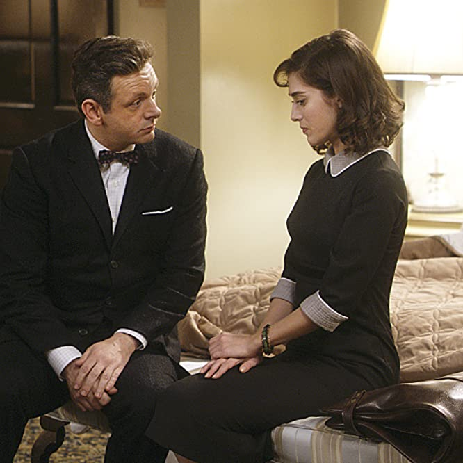 Lizzy Caplan and Michael Sheen in Masters of Sex (2013)