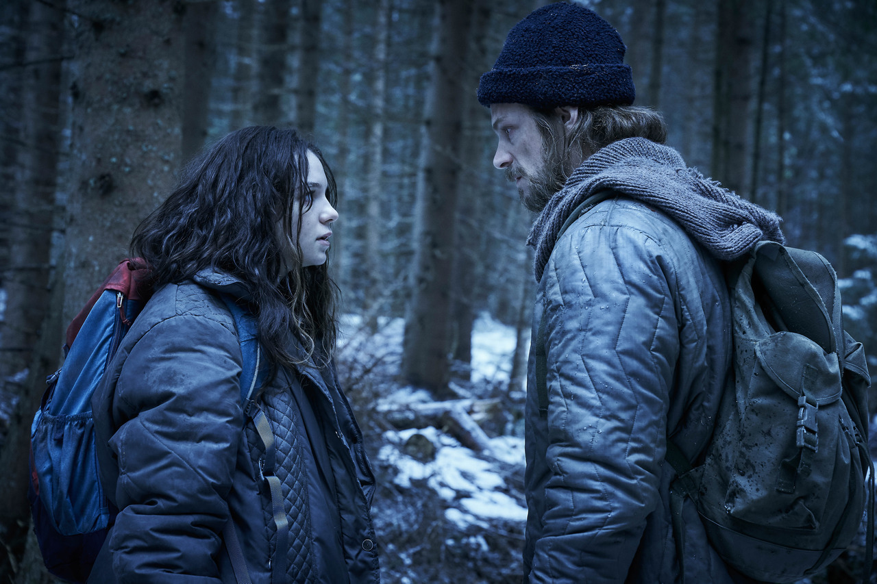 Joel Kinnaman and Esme Creed-Miles in Hanna (2019)