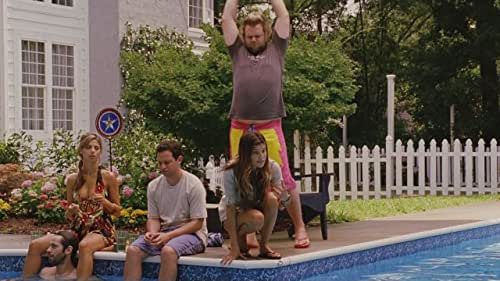 With his dad's house in the Hamptons about to go on the real-estate market, a party-loving guy (Jason Sudeikis) talks his best friends into having an orgy.