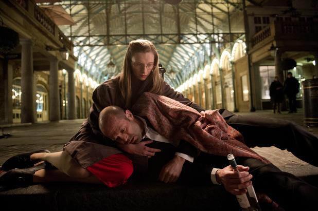 Jason Statham and Agata Buzek in Hummingbird (2013)