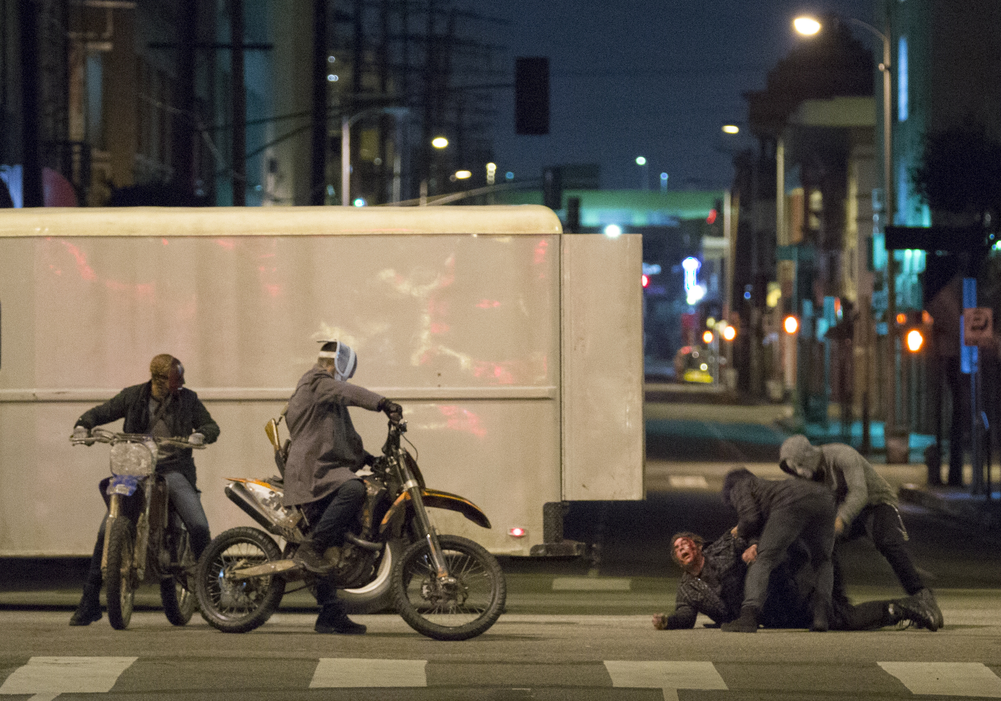 Carmen Ejogo, Frank Grillo, Kiele Sanchez, Zach Gilford, Zoë Soul, LaKeith Stanfield, and Emmanuel Howell in The Purge: Anarchy (2014)