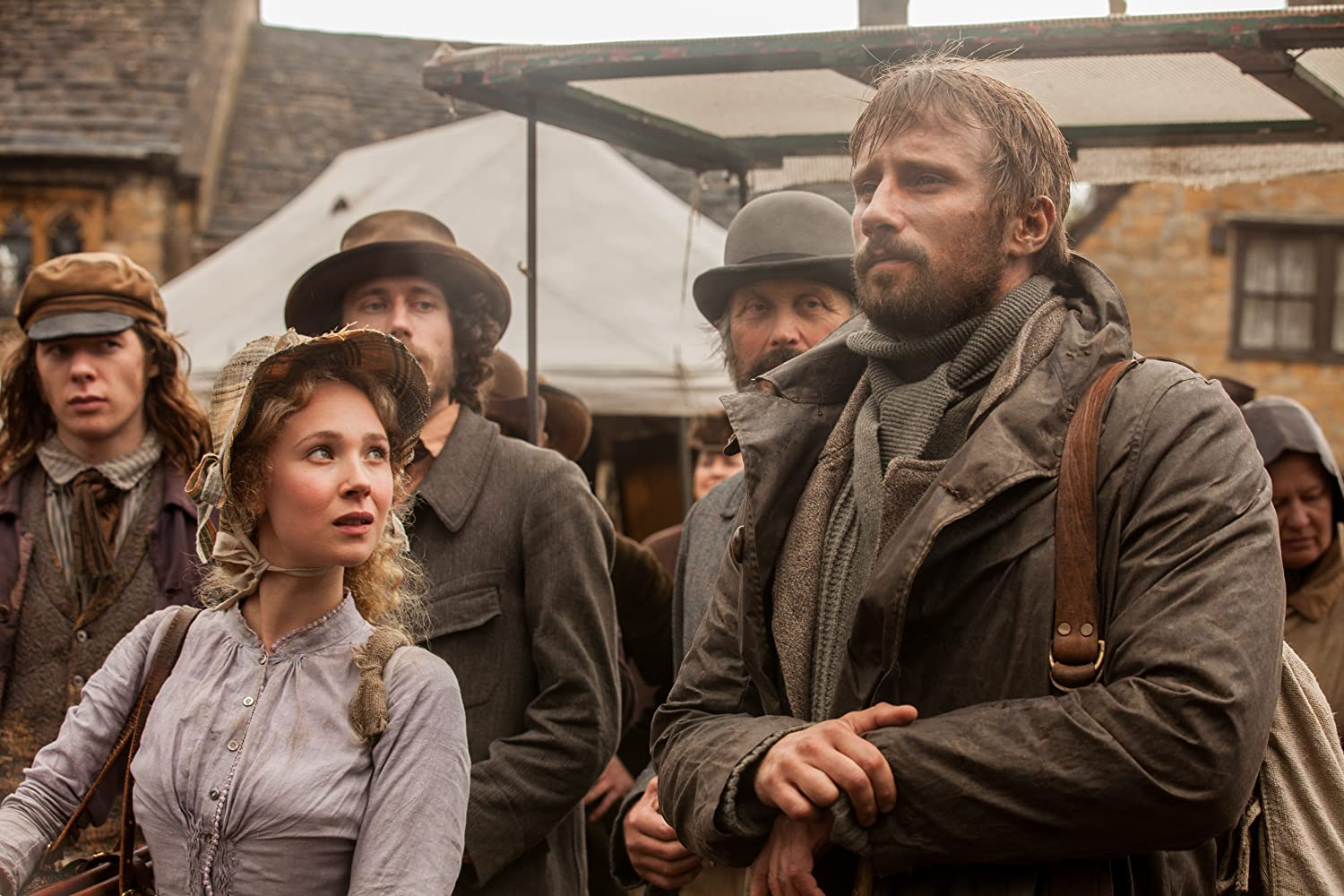 Matthias Schoenaerts and Juno Temple in Far from the Madding Crowd (2015)