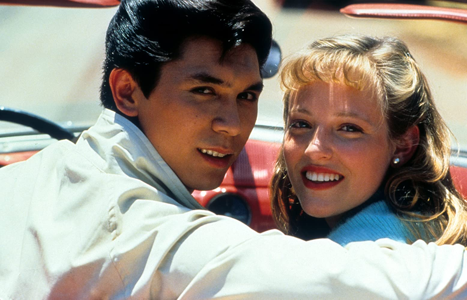 Lou Diamond Phillips and Danielle von Zerneck in La Bamba (1987)