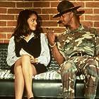 Damon Wayans and Karyn Parsons in Major Payne (1995)