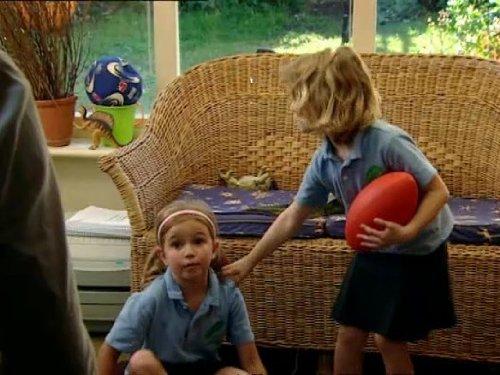 Danni Bennatar in Outnumbered (2007)
