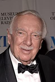 Primary photo for Walter Cronkite