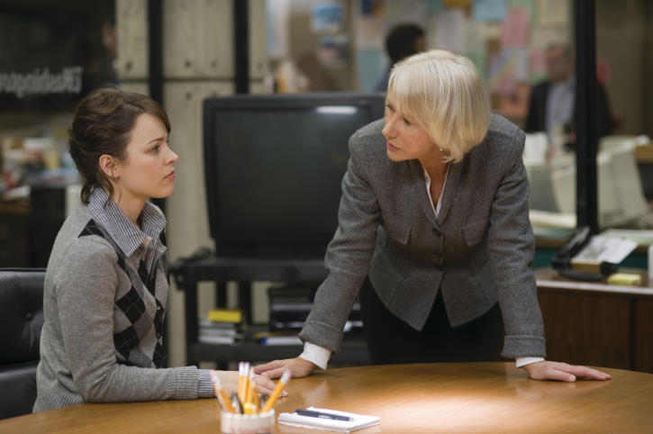 Helen Mirren and Rachel McAdams in State of Play (2009)