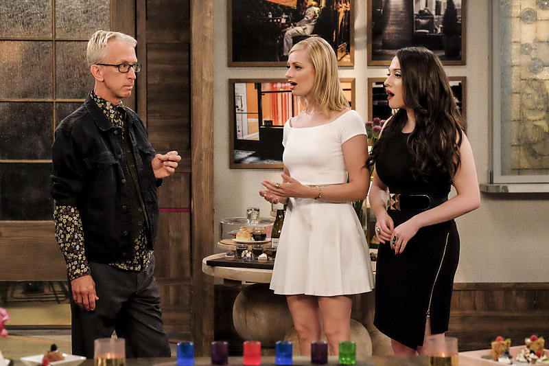 Andy Dick, Kat Dennings, and Beth Behrs in 2 Broke Girls (2011)
