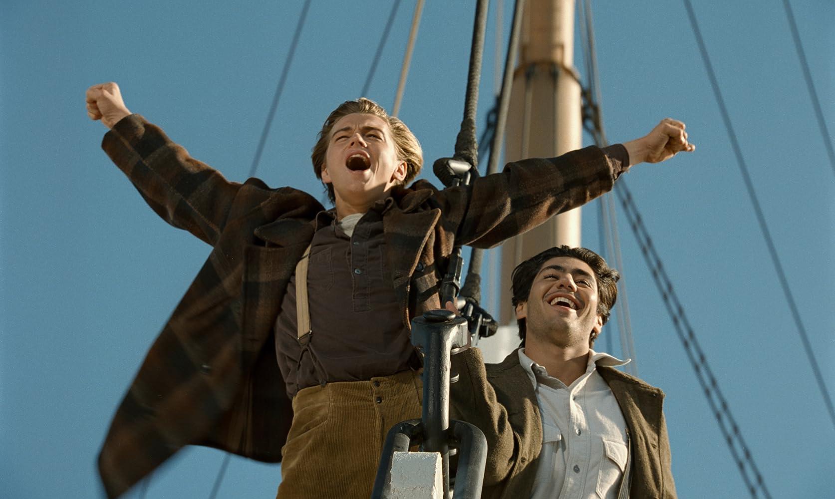 Leonardo DiCaprio and Danny Nucci in Titanic (1997)