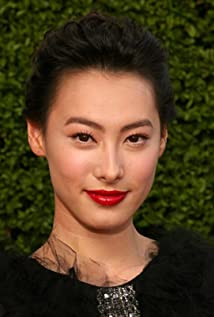 Isabella Leong Picture