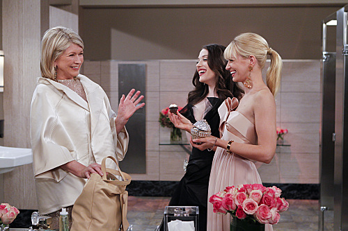 Martha Stewart, Kat Dennings, and Beth Behrs in 2 Broke Girls (2011)