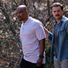 Damon Wayans and Clayne Crawford in Lethal Weapon (2016)