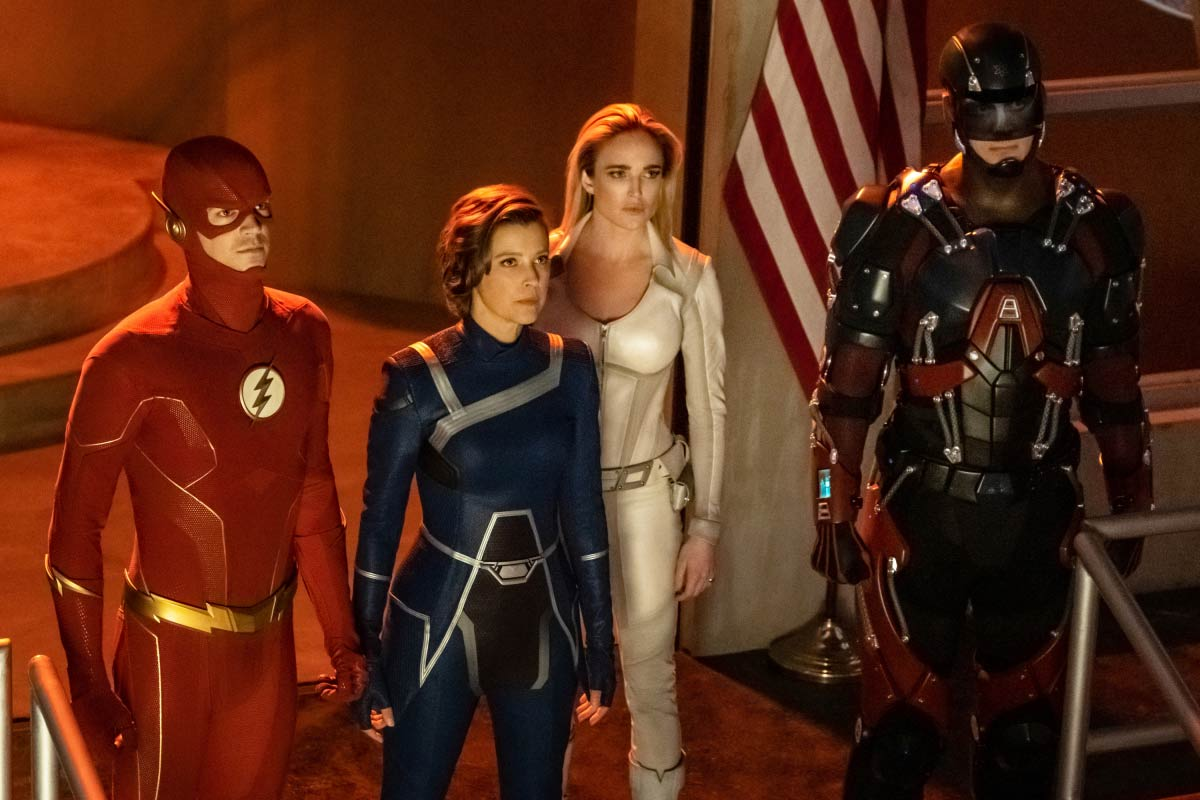 Brandon Routh, Audrey Marie Anderson, Caity Lotz, and Grant Gustin in Supergirl (2015)