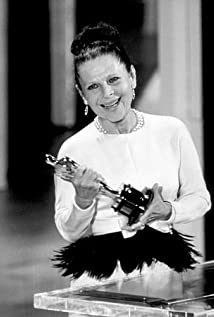 Ruth Gordon Picture