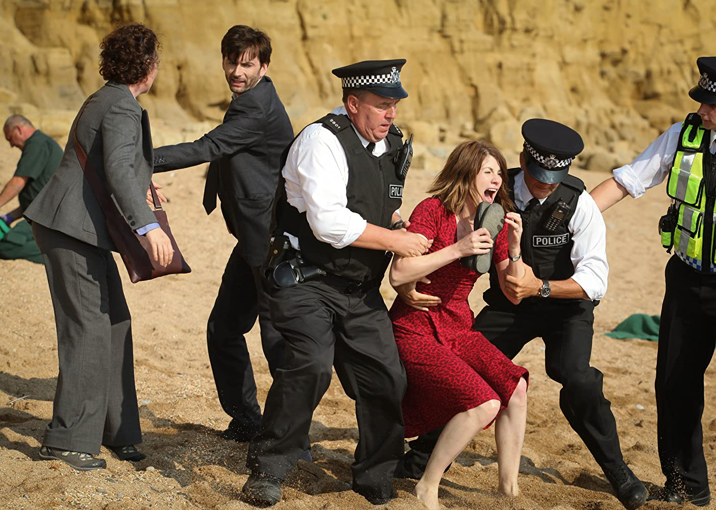 David Tennant, Steve Bennett, Olivia Colman, and Jodie Whittaker in Broadchurch (2013)