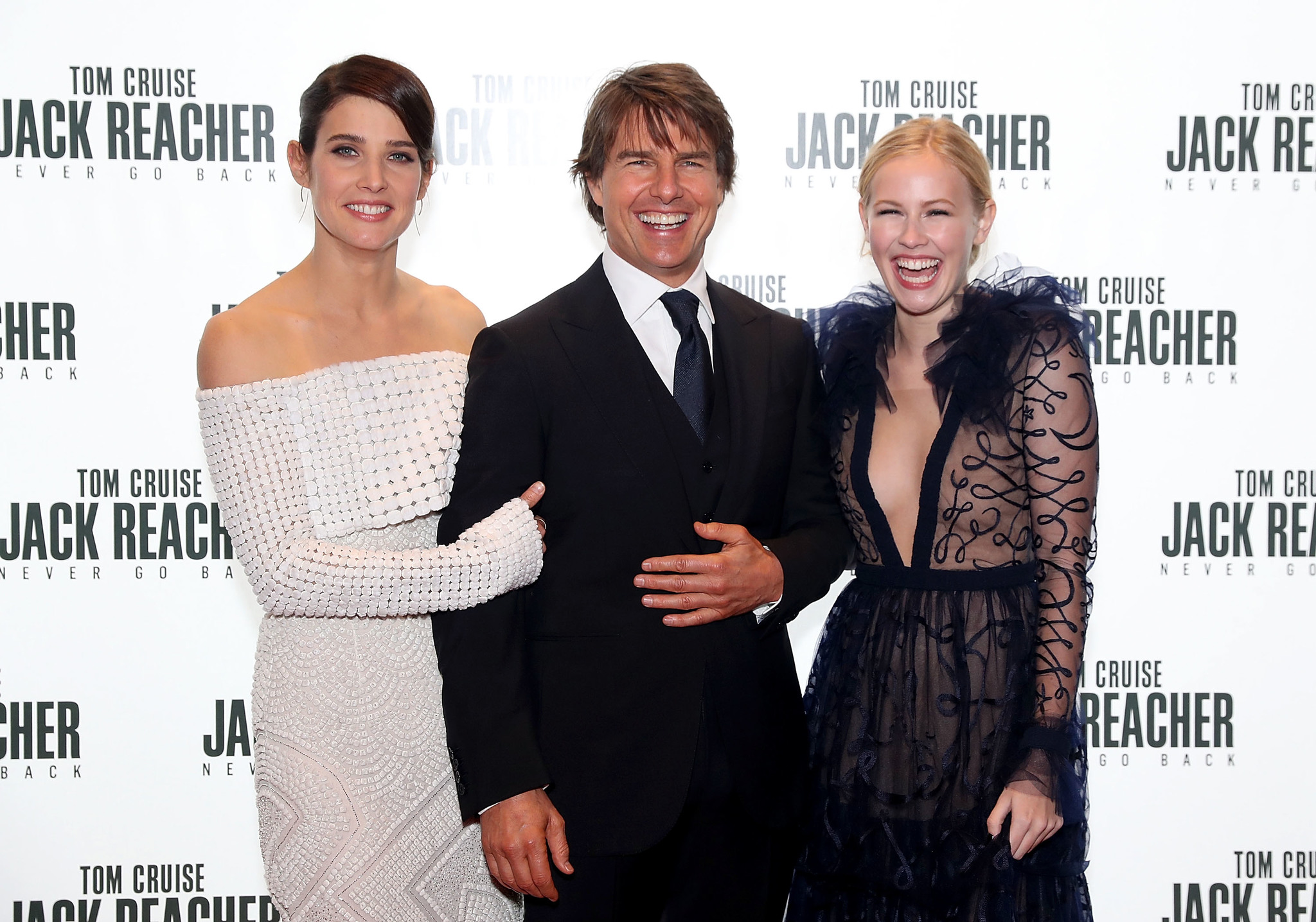 Tom Cruise, Cobie Smulders, and Danika Yarosh at an event for Jack Reacher: Never Go Back (2016)