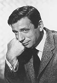 Primary photo for Yves Montand