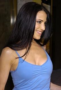 Leslie Bega Picture