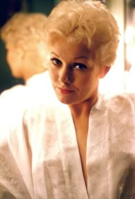 Primary photo for Kim Novak