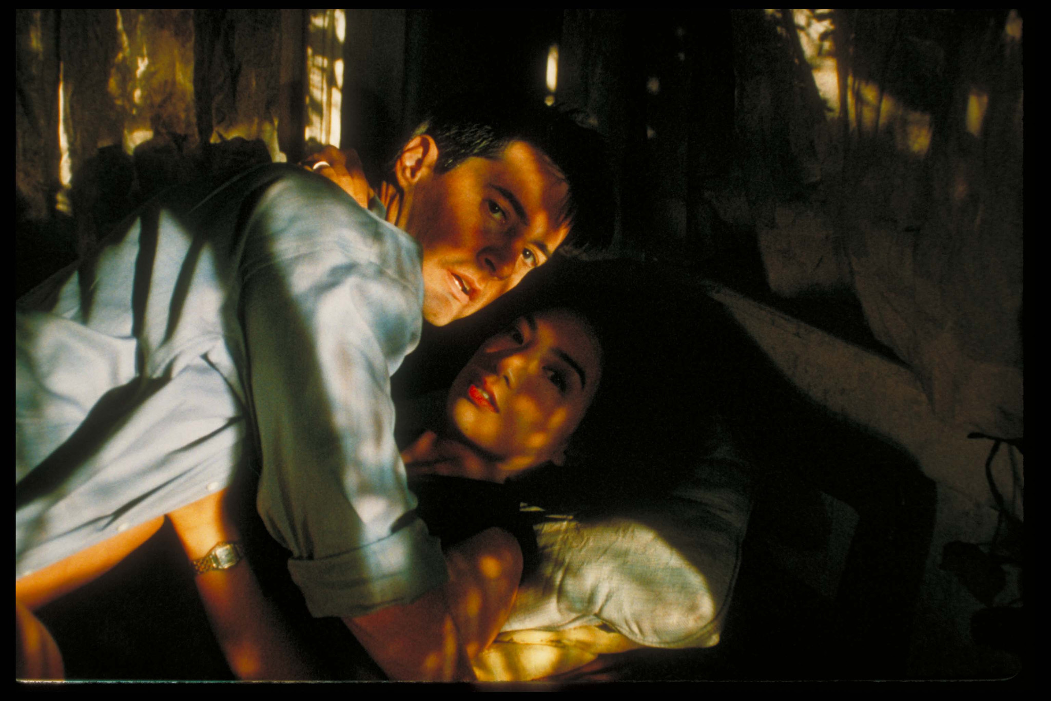 Kyle MacLachlan and Ming-Na Wen in One Night Stand (1997)