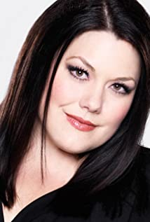 Brooke Elliott Picture