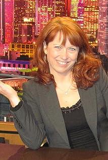 Beth Armogida Picture