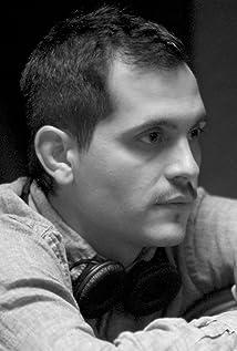 Travis Gutiérrez Senger Picture