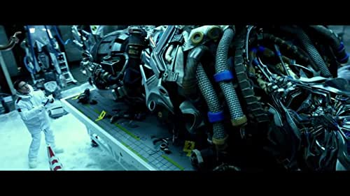 An automobile mechanic and his daughter make a discovery that brings down the Autobots and Decepticons - and a paranoid government official - on them.