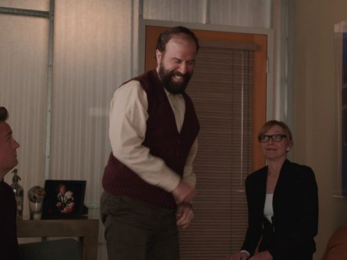 Matthew Perry, Julie White, and Brett Gelman in Go On (2012)