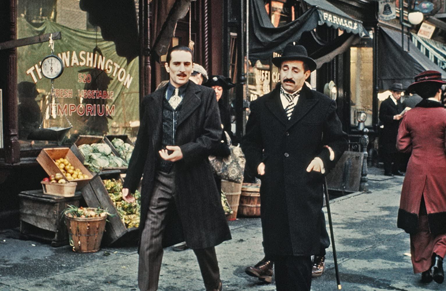 Robert De Niro and Leopoldo Trieste in The Godfather: Part II (1974)