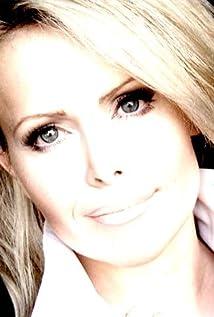 Tamara Henry Picture