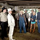 Burt Reynolds, Willie Nelson, Seann William Scott, Jessica Simpson, M.C. Gainey, and Johnny Knoxville in The Dukes of Hazzard (2005)