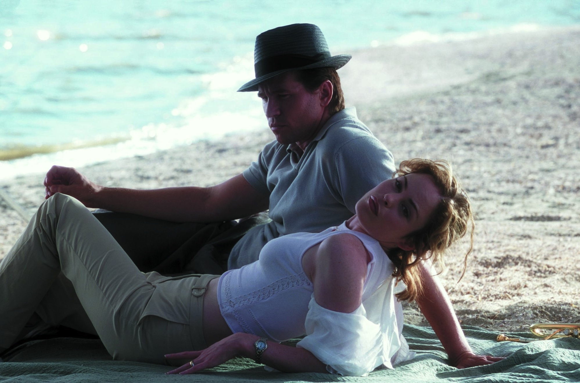 Val Kilmer and Chandra West in The Salton Sea (2002)