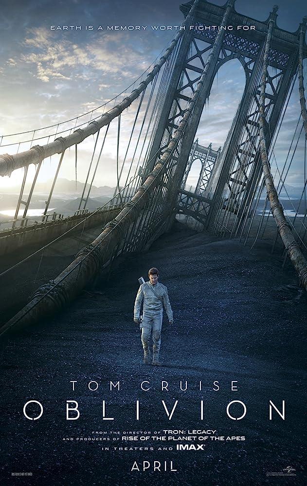 Tom Cruise in Oblivion (2013)