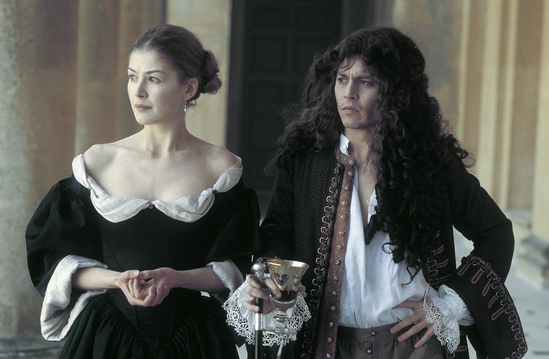 Johnny Depp si Rosamund Pike