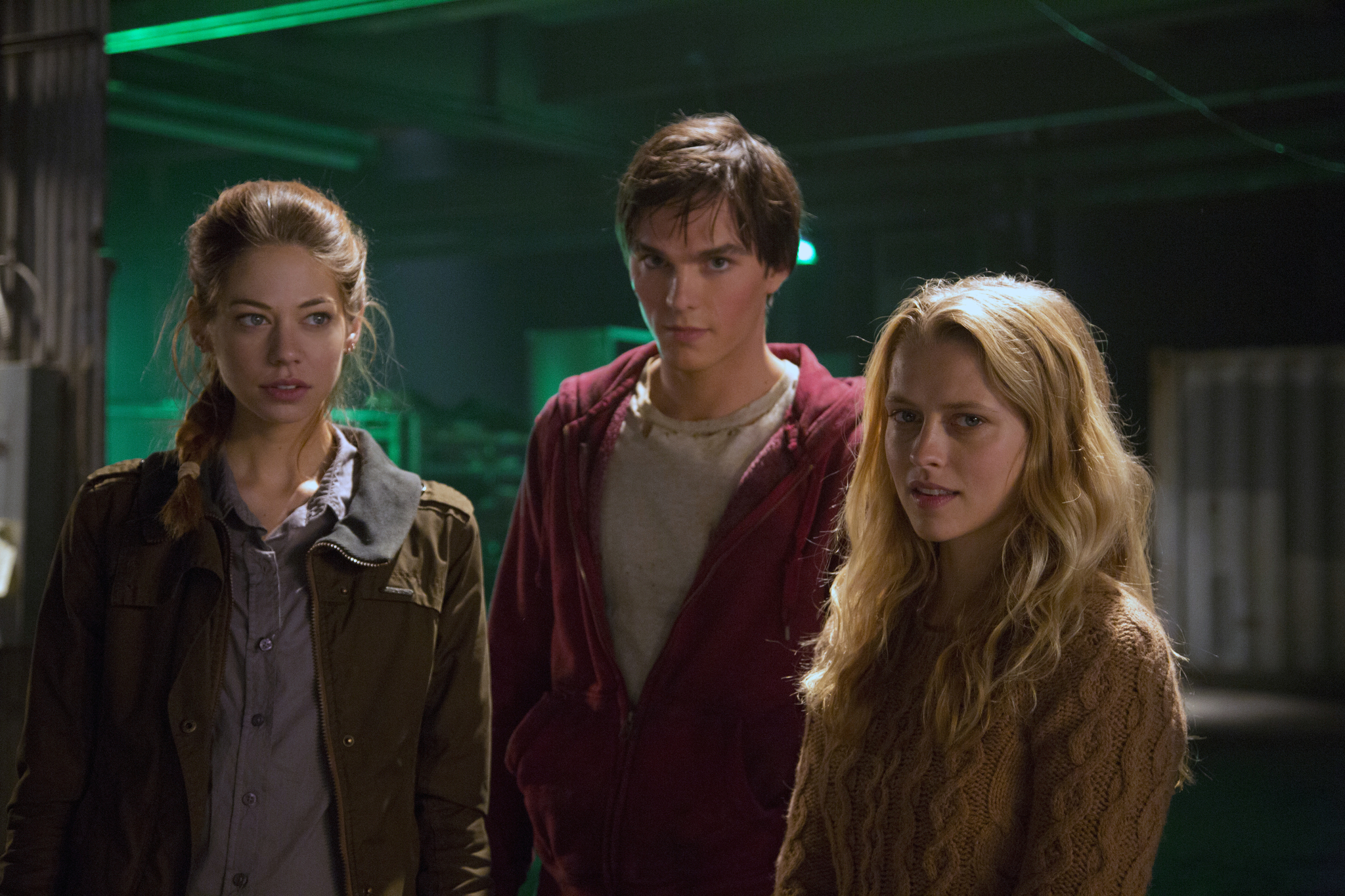 Nicholas Hoult, Teresa Palmer, and Analeigh Tipton in Warm Bodies (2013)