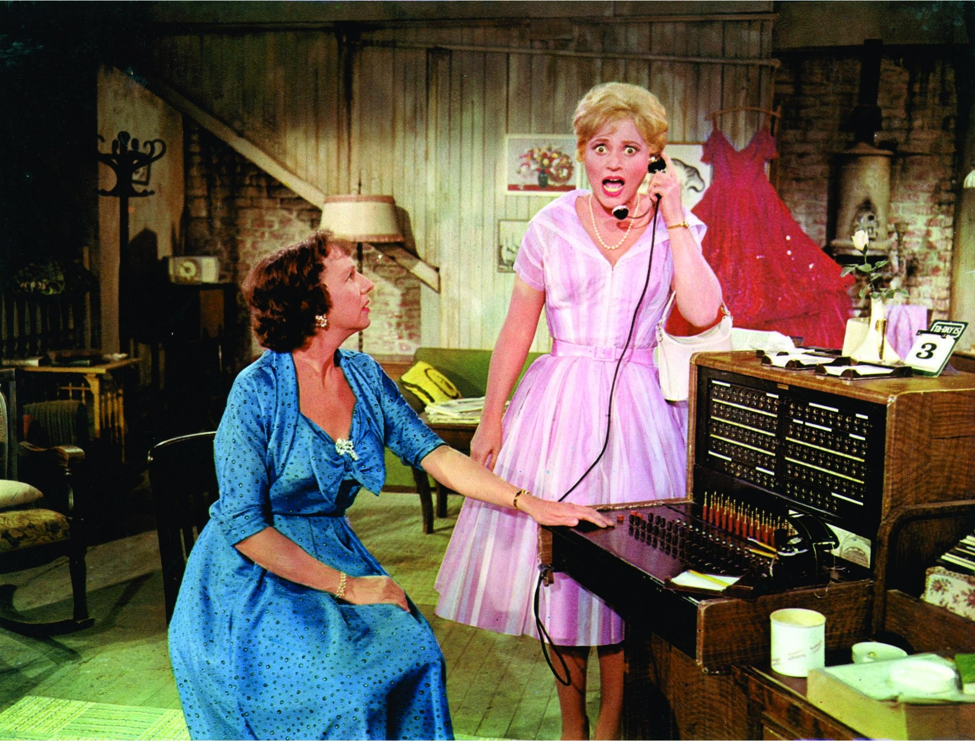 Judy Holliday and Jean Stapleton in Bells Are Ringing (1960)