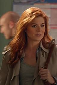 Debra Messing in The Mysteries of Laura (2014)