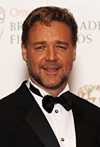 Primary photo for Russell Crowe