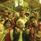 Vrajesh Hirjee, Akshay Kumar, Sanjay Mishra, Darshan Jariwala, Shreyas Talpade, Asrani, Vindu Dara Singh, Pitobash, and Sonakshi Sinha in Joker (2012)
