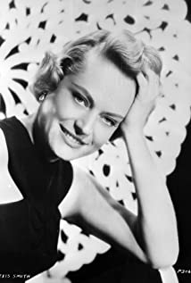 Alexis Smith Picture