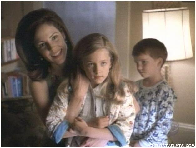 Hallee Hirsh as Agatha in Hallmark Hall of Fame's St. Maybe (1998) with Mary Louise Parker