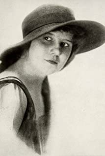 Gladys Hulette Picture