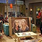 Mayim Bialik and Kaley Cuoco in The Big Bang Theory (2007)