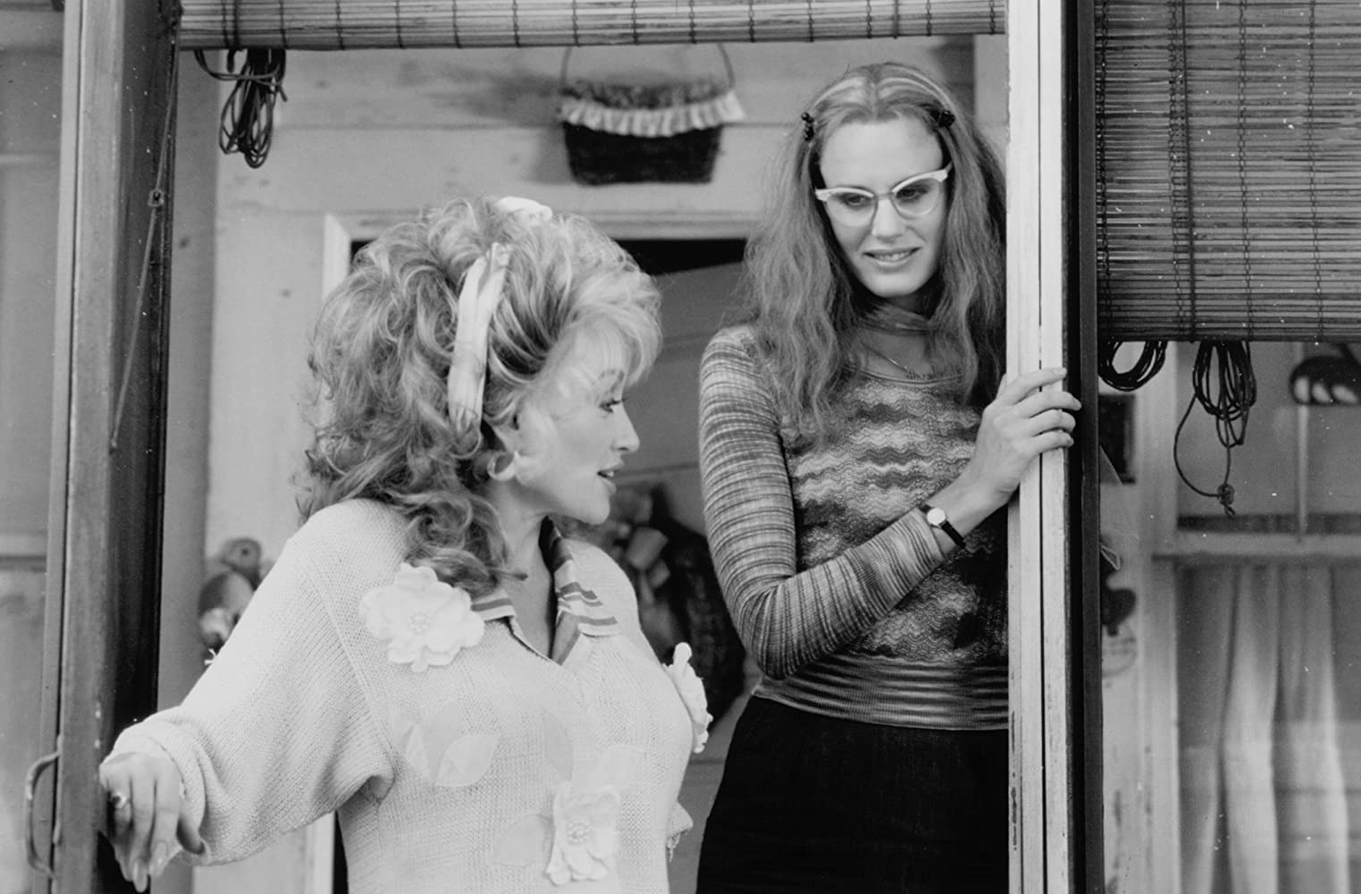 Daryl Hannah and Dolly Parton in Steel Magnolias (1989)