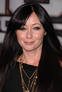 The 50-year old daughter of father (?) and mother(?) Shannen Doherty in 2021 photo. Shannen Doherty earned a  million dollar salary - leaving the net worth at  million in 2021