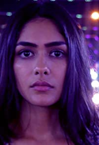 Primary photo for Mrunal Thakur